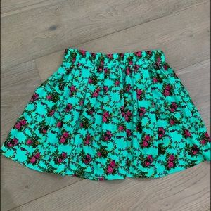 Forever 21 Pleated Floral Skirt L